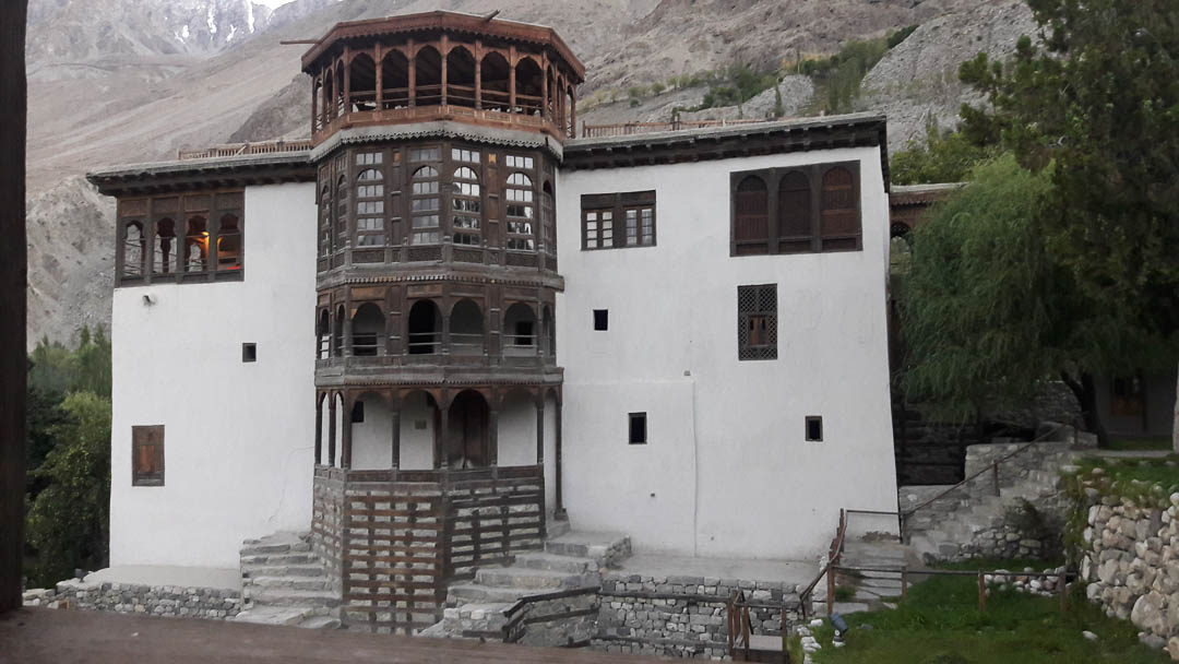 A trip to the historical & stunningly beautiful Serena Khaplu Palace located in Gilgit, Pakistan. One of the locations used in the popular Urdu serial, Diyar-e-Dil.