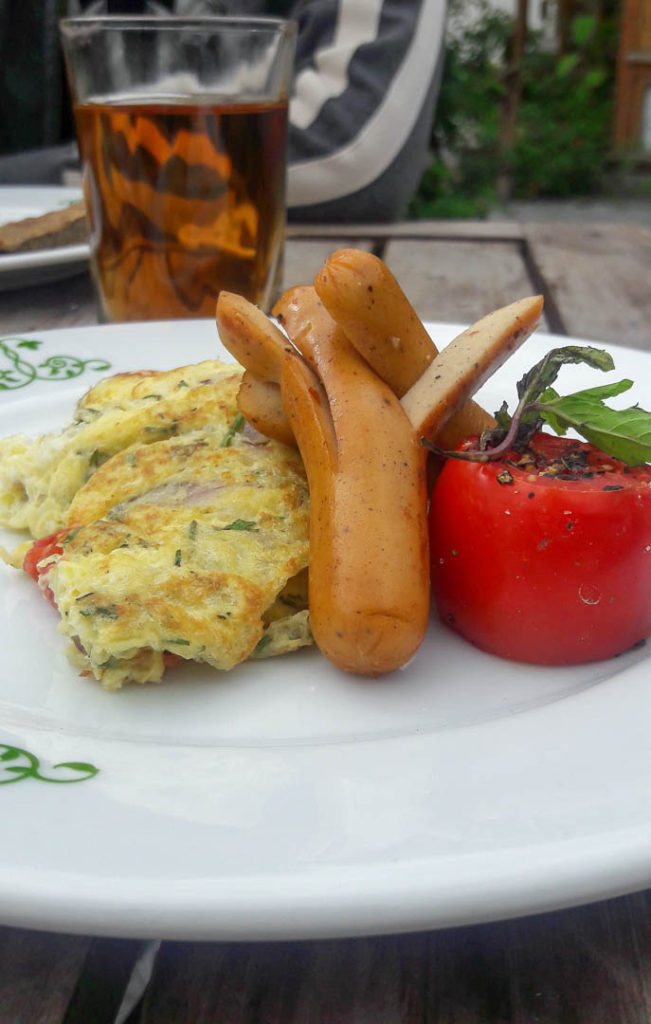Breakfast also includes omelet - tell the waiter what you want and he will have it out for you in a few minutes.