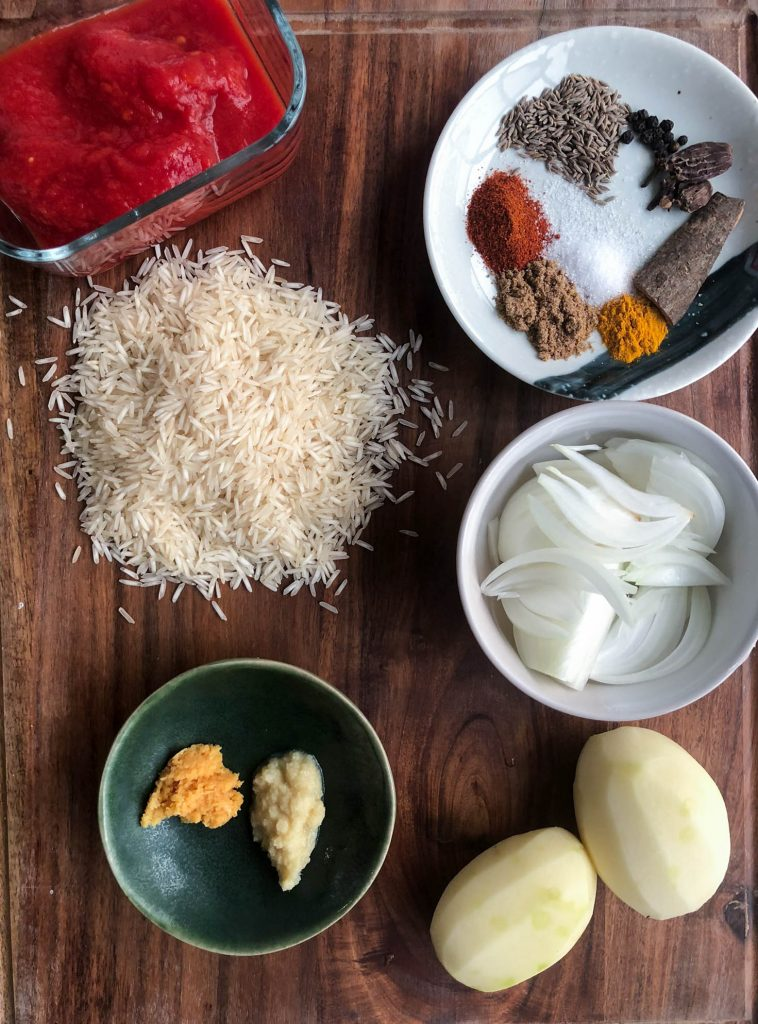 These are a list of ingredients that are used to make aloo ki tahari or aloo chawal. Similar to a pilaf, aloo ki tahari or spiced potato rice is a Pakistani / Indian vegetarian dish made with rice and potatoes.