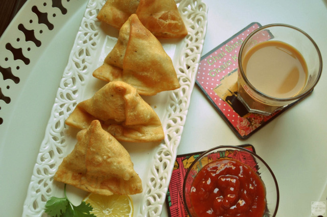 A collection of 19 make ahead recipes for Ramadan to save you time in the kitchen and help you prepare iftar, sehri and dinner as stress free as possible.  Featured here is a recipe of aloo samosa by PMP Mom.