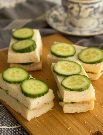 These chicken spread sandwiches are a great option for lunch boxes, be it a school lunch box or for the office. Just spread it on bread, add sliced vegetables and cut into halves or triangles. Whatever you prefer!
