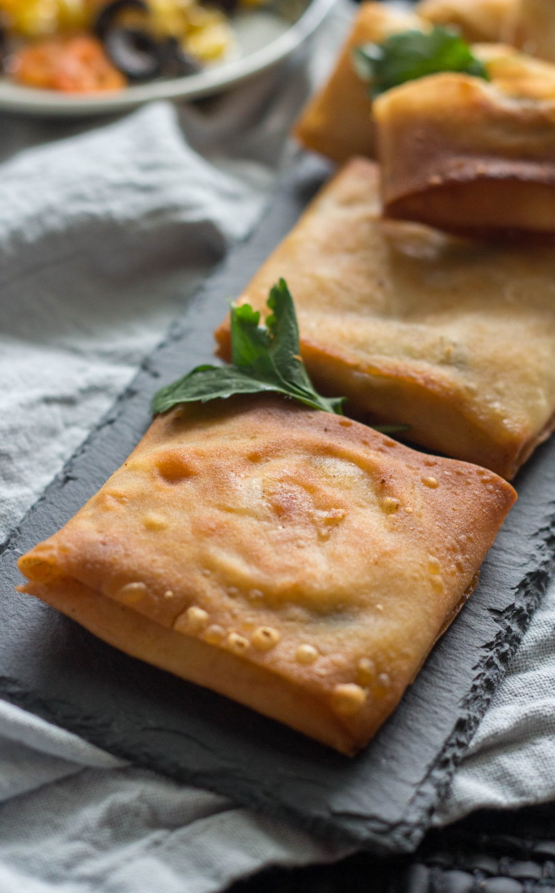 Box patties are a popular Pakistani snack, especially during Ramadan where they are served at Iftar time. Made with samosa sheets or spring roll wrappers they are filled with chicken, cheese and vegetables and fried till golden brown.